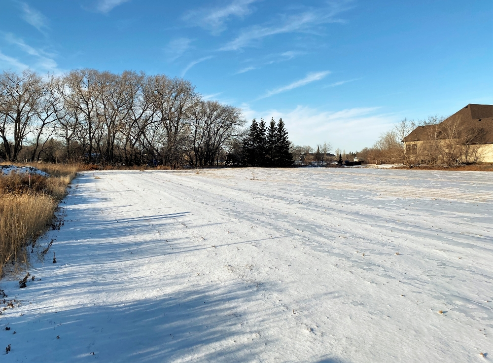 The best undeveloped riverfront location remaining in East St Paul!